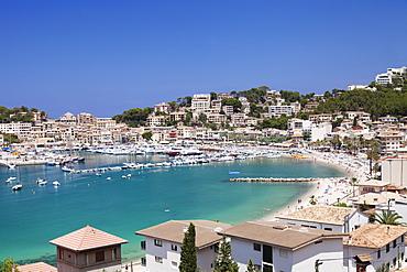 View over Port de Soller with port and beach, Majorca (Mallorca), Balearic Islands, Spain, Mediterranean, Europe