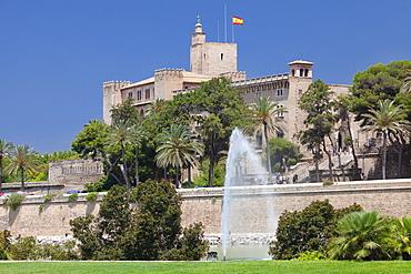 Almudaina Palace at Parc de la Mar, Palma de Mallorca, Majorca (Mallorca), Balearic Islands, Spain, Mediterranean, Europe