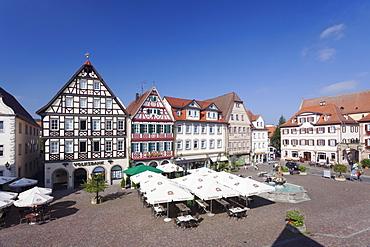 Half-timbered houses at Market Square, Bad Mergentheim, Taubertal Valley, Romantische Strasse (Romantic Road), Baden Wurttemberg, Germany, Europe