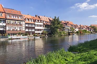 View over Regnitz River to Little Venice (Kleinvenedig), UNESCO World Heritage Site, Bamberg, Franconia, Bavaria, Germany, Europe