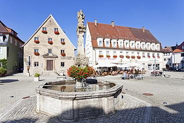 Rokoko fountain on market square, Tauberlander Dorfmuseum Museum, Weikersheim, Hohenlohe Region, Taubertal Valley, Romantische Strasse (Romantic Road),  Baden Wurttemberg, Germany, Europe