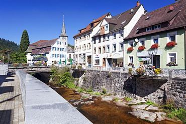 View over Gutach River to Johannes Taeufer Church, Hornberg, Gutachtal Valley, Black Forest, Baden Wurttemberg, Germany, Europe