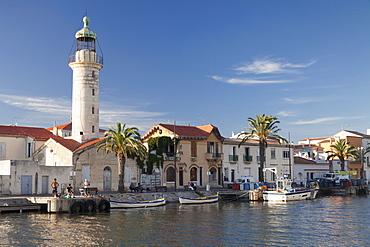 Lighthouse at the port, Petit Camargue, Le-Grau-du-Roi, Department Gard, Languedoc-Roussillon, southern France, France, Europe