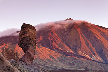 Los Roques de Garcia at Caldera de las Canadas, Pico de Teide at sunset, National Park Teide, UNESCO World Heritage Site, Tenerife, Canary Islands, Spain, Europe