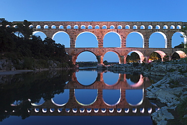 Pont du Gard, Roman aqueduct, UNESCO World Heritage Site, River Gard, Languedoc-Roussillon, France, Europe