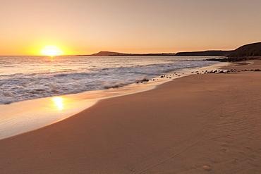 Playa Papagayo beach at sunset, near Playa Blanca, Lanzarote, Canary Islands, Spain, Atlantic, Europe