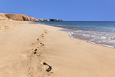 Footprints in the sand, Playa Papagayo beach, near Playa Blanca, Lanzarote, Canary Islands, Spain, Atlantic, Europe