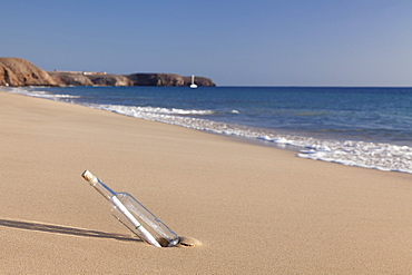 Message in a bottle, Playa Papagayo beach, near Playa Blanca, Lanzarote, Canary Islands, Spain, Atlantic, Europe