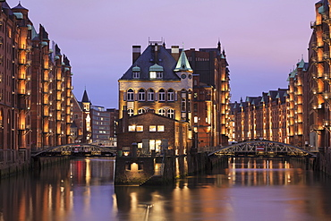 Water castle (Wasserschloss), Speicherstadt, Hamburg, Hanseatic Citiy, Germany, Europe