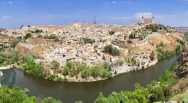 View over Tajo River at Santa Maria Cathedral and Alcazar, UNESCO World Heritage Site, Toledo, Castilla-La Mancha, Spain, Europe