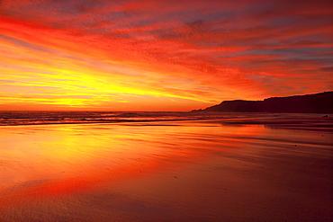 Praia do Amado Beach at sunset, Carrapateira, Costa Vicentina, Algarve, Portugal, Europe