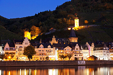 Zell an der Mosel, Runder Turm Tower, Moselle River, Rhineland-Palatinate, Germany, Europe