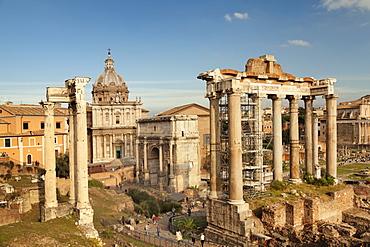 Roman Forum (Foro Romano), Temple of Saturn and Arch of Septimius Severus, UNESCO World Heritage Site, Rome, Lazio, Italy, Europe