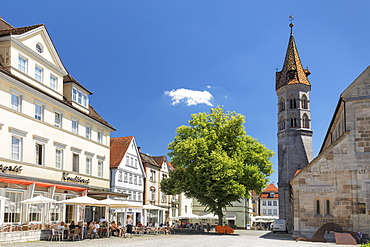 Street cafe at Johannisplatz square, Johanniskirche church, Schwaebisch-Gmund, Baden-Wurttemberg, Germany, Europe