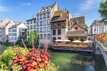 Restaurant at River Ill, La Petite France, UNESCO World Heritage Site, Strasbourg, Alsace, France, Europe