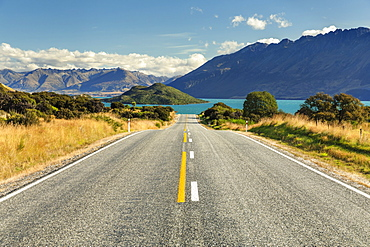 Road to Glenorchy, Lake Wakatipu, Queenstown, Otago, South Island, New Zealand, Pacific