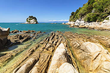Rocky coast at Little Kaiteriteri Beach, Kaiteriteri, Tasman Bay, Tasman, South Island, New Zealand, Pacific