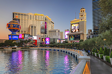 Hotel Paris und Planet Hollywood Resort, The Strip, Las Vegas, Nevada, USA
