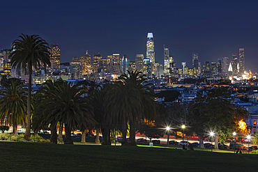 View from Dolores Park, Skyline of San Francisco, California, USA