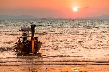 Longtail boat at West Rai Leh Beach, Railay Peninsula, Krabi Province, Thailand, Southeast Asia, Asia