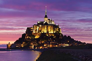 Mont Saint Michel at sunset, UNESCO World Heritage Site, Department Manche, Basse Normandy, France, Europe