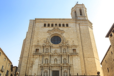 Cathedral, baroque facade from cathedral steps, City of Girona, Girona Province, Catalonia, Spain, Europe