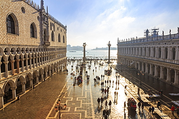 Palazzo Ducale (Doge's Palace) and Piazzetta San Marco, elevated view in winter, Venice, UNESCO World Heritage Site, Veneto, Italy, Europe