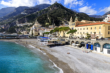 Beach, town and hills in sunshine, Amalfi, Costiera Amalfitana (Amalfi Coast), UNESCO World Heritage Site, Campania, Italy, Europe