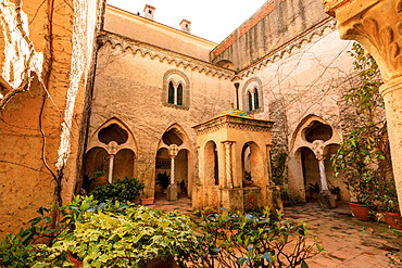 Cloister, stunning Garden of Villa Cimbrone in spring, Ravello, Amalfi Coast, UNESCO World Heritage Site, Campania, Italy, Europe
