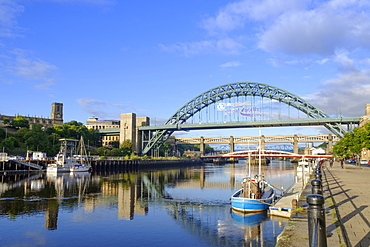 The Tyne Bridge over the Tyne River, Gateshead, Newcastle-upon-Tyne, Tyne and Wear, England, United Kingdom, Europe