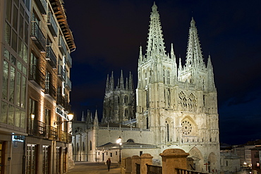 Burgos Cathedral at night, UNESCO World Heritage Site, Burgos, Castile and Leon, Spain, Europe