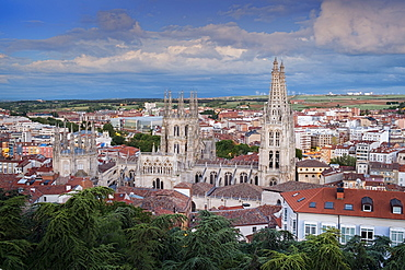 City showing the Gothic Cathedral, UNESCO World Heritage Site, Burgos, Castile and Leon, Spain, Europe
