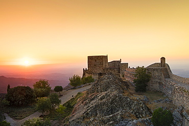 The castle at Marvao, a dramatic Portuguese medieval hill-top village bordering Spain, Alentejo, Portugal, Europe