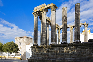 The Roman temple of Diana in the centre of Evora, UNESCOI World Heritage Site, Evora, Portugal, Europe