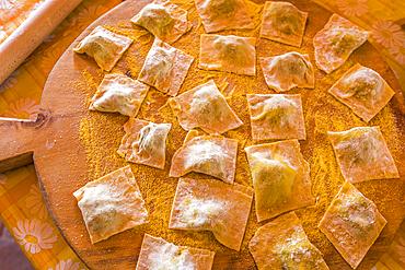 Flour on stuffed pasta