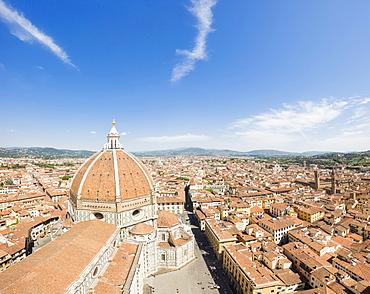 View of the old town of Florence with the Duomo di Firenze and Brunelleschi's Dome in the foreground, Florence, UNESCO World Heritage Site, Tuscany, Italy, Europe