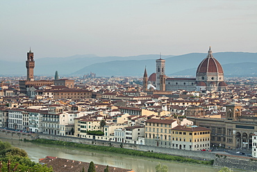 View of the Duomo with Brunelleschi Dome and Palazzo Vecchio from Piazzale Michelangelo, Florence, UNESCO World Heritage Site, Tuscany, Italy, Europe