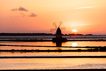 Windmill at sunset, Saline dello Stagnone, Marsala, province of Trapani, Sicily, Italy, Mediterranean, Europe