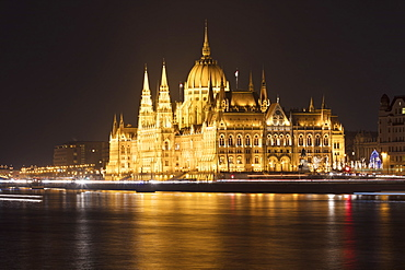 Parliament Building and River Danube at night, Budapest, Hungary, Europe