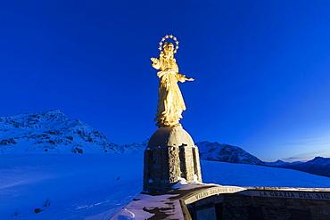 Statue of Nostra Signora d'Europa (Madonna d'Europa) at night, Motta, Campodolcino, Valchiavenna, Valtellina, Lombardy, Italy, Europe