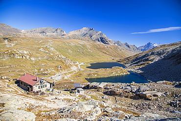 Refuge Citta di Chivasso. Lakes of Nivolet, Valsavarenche, Gran Paradiso National Park, Alpi Graie (Graian Alps), Italy, Europe