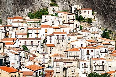 Stone houses in the medieval town of Castelmezzano, Dolomiti Lucane, Potenza province, Basilicata, Italy, Europe