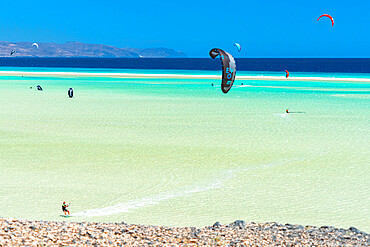 Kite surfers at Sotavento beach, Jandia, Fuerteventura, Canary Islands, Spain