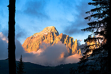 Popera group mountains at sunrise viewed from Passo Monte Croce di Comelico, Sesto Dolomites, South Tyrol, Italy, Europe
