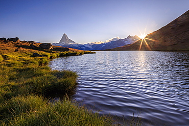 Sunset at Lake Stellisee, with the Matterhorn in the background, Zermatt, Pennine Alps, Canton of Valais, Swiss Alps, Switzerland, Europe