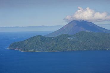 Active Lopevi volcano, Ambrym, Vanuatu, Pacific