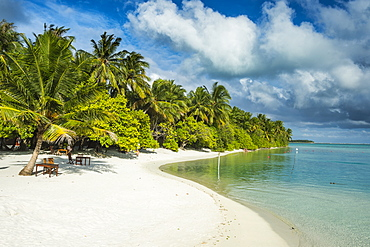 White sand beach and turquoise water, Sun Island Resort, Nalaguraidhoo island, Ari atoll, Maldives, Indian Ocean, Asia