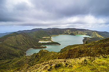 Lagoa de Fogo crater lake, Island of Sao Miguel, Azores, Portugal, Atlantic, Europe