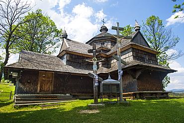 Strukivska Church, UNESCO World Heritage Site, Yasinia village, Carpathian mountains, western Ukraine, Europe