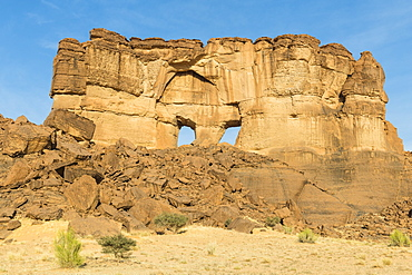 The window rock arch on the Ennedi Plateau, UNESCO World Heritage Site, Ennedi region, Chad, Africa
